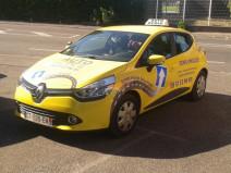 auto ecole sens unique voiture jaune Auto École Sens Unique